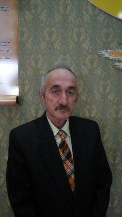 Інструктор клубу с.Залавє – Синявський Володимир Петрович